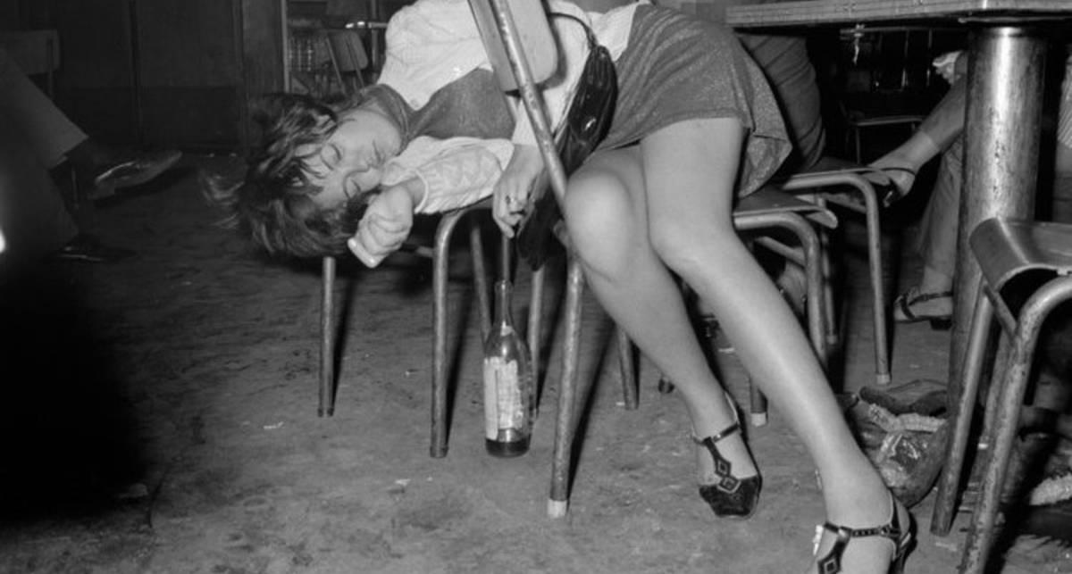 Девушки, алкоголь и танцы: Фотограф показал ночную жизнь прошлого века