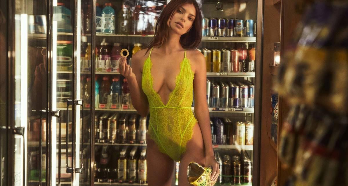 Снова реклама белья: Ратаковски решила сделать это в магазине