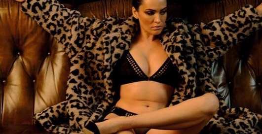 Голое возвращение: Астафьева снова снялась для Playboy