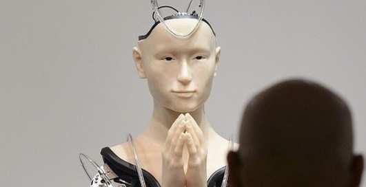 Технологичная религия? В буддистском храм в Киото работает робот-монах