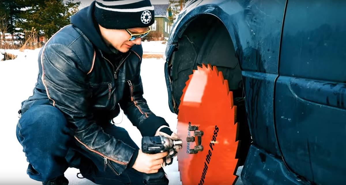 Что будет, если на авто поставить циркулярные пилы вместо колес?