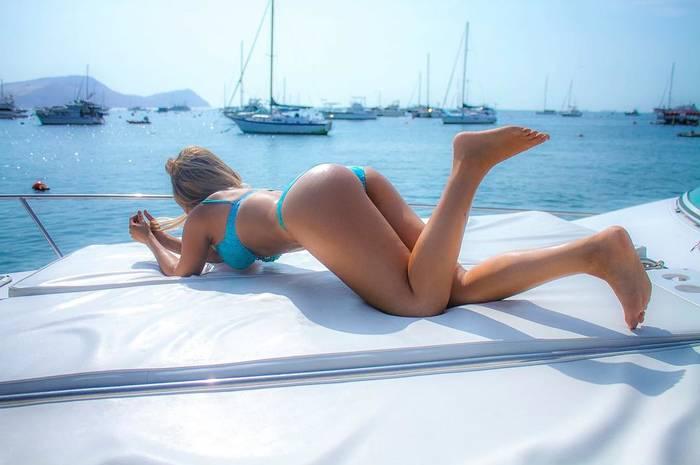 Александра Мендес