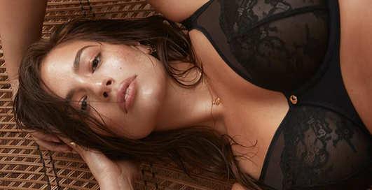 Соблазнительная Эшли Грэм показала на себе белье собственного бренда