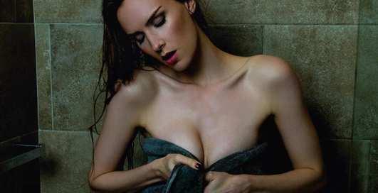 Лучшие фото Шарлотты Кирк. Из-за неё в секс-скандал попал глава Warner Brothers