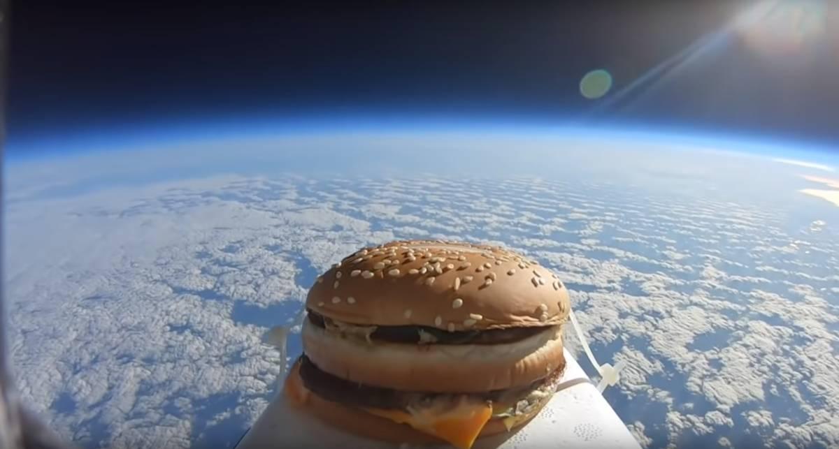 Бургер, ты просто космос! Чем закончился подъем бутерброда в атмосферу?