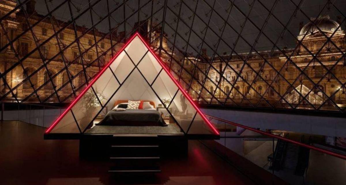 Как заночевать в Лувре и выпить на брудершафт с Венерой Милосской?