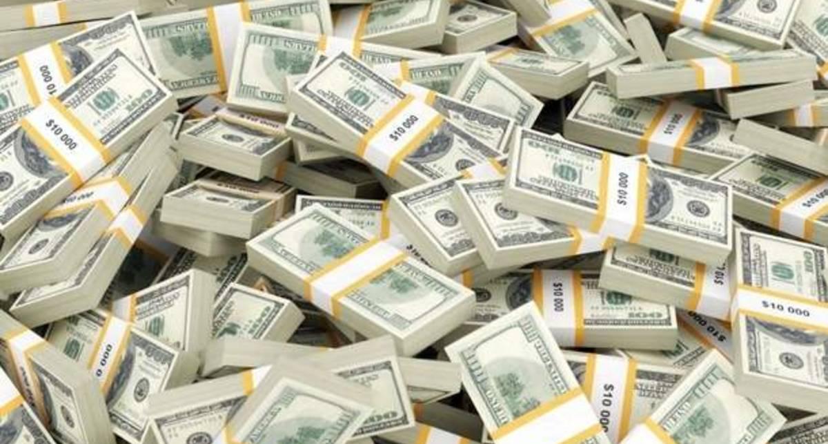 Богатейший африканец снял со счета $10 млн, а затем вернул обратно в банк