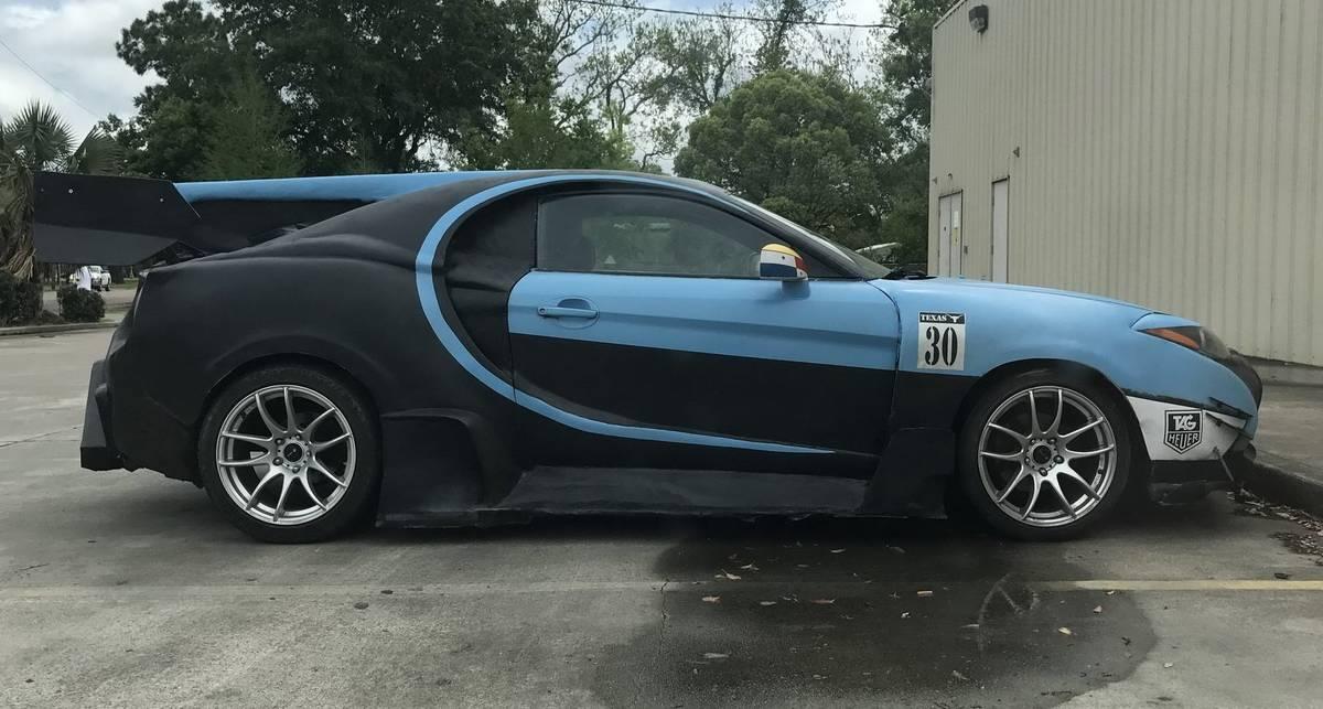 Мужчина превратил бюджетный Hyundai в гиперкар Bugatti Chiron