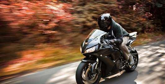 Свободное падение в пропасть: мотоциклист сорвался со скалы и выжил
