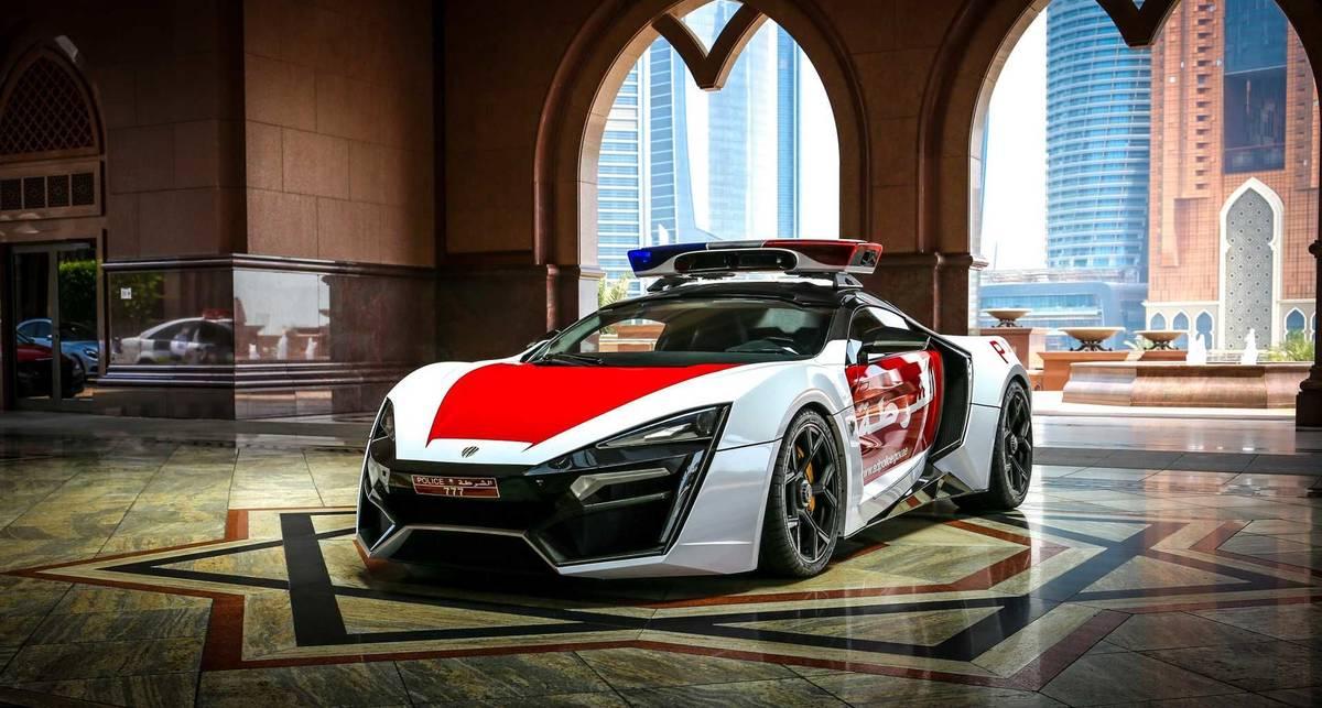Фото безумного суперкара за 3,5 млн долларов, на котором гоняет полиция Абу-Даби