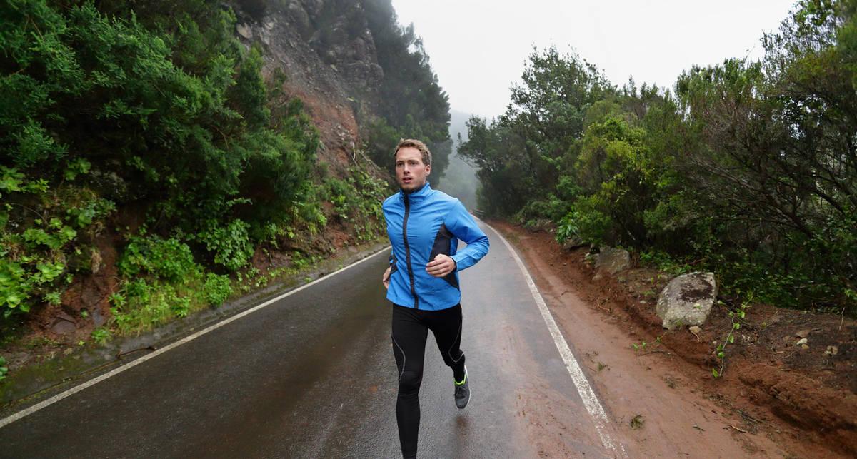 Лайфхаки для бегунов в дождливую погоду