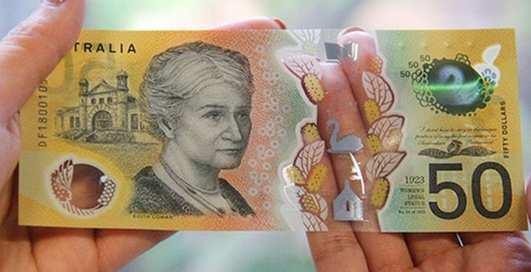 Ошибка ценой в миллиарды: в Австралии на новых банкнотах нашли опечатку
