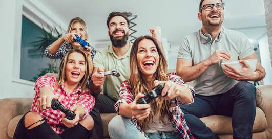 Взрослые люди стали больше играть и тратить деньги на видеоигры
