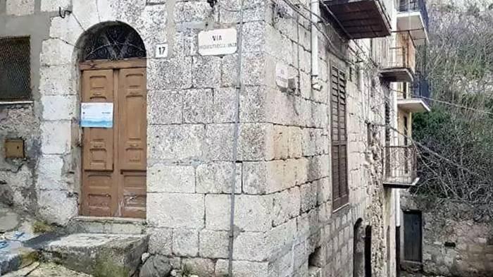Дом, который продают за 1 евро