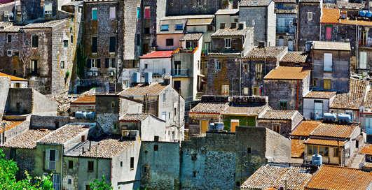 На итальянской Сицилии раздают недвижимость по 1 евро